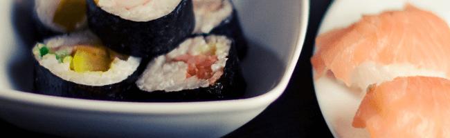 巻物とサーモンの寿司