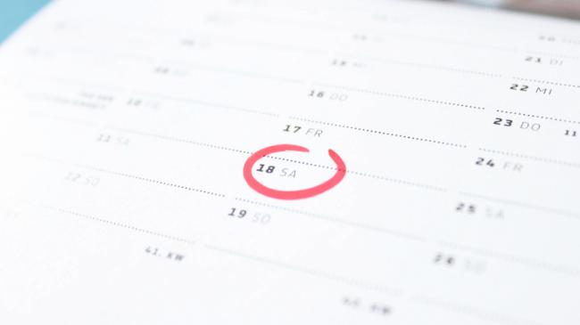 カレンダーに赤丸で旅行の印をつけたところ