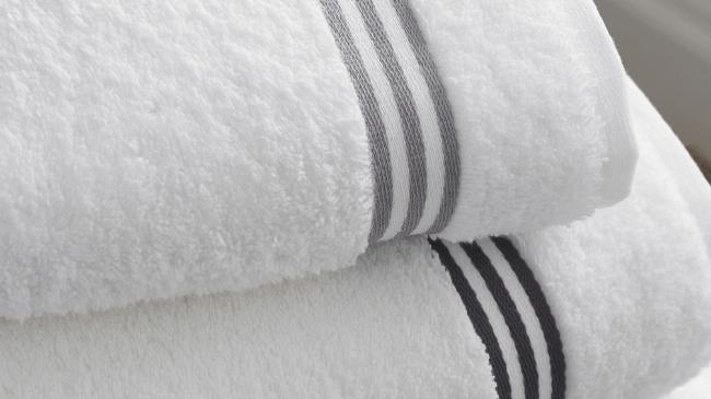 ふわふわの洗い終わったばかりのタオル