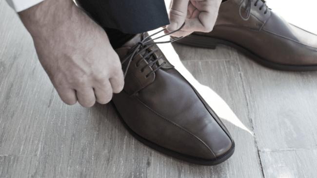 足のニオイ対策をしっかりした靴と靴下と足
