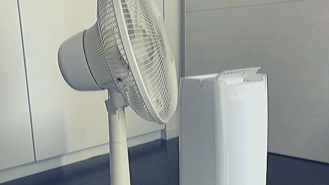 室内干しに欠かせない扇風機と衣服乾燥除湿機