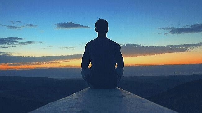 眠気覚しには短い時間で瞑想する