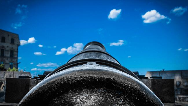 見切り発車する前の大砲