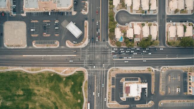 交差点のように、進むべき道はいくつかに別れる