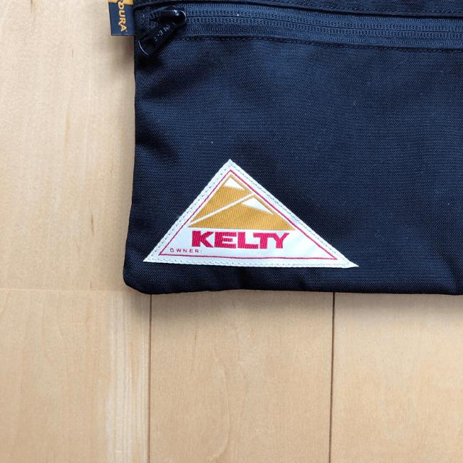 ケルティのサコッシュのロゴアップ