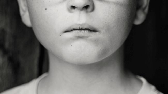 自分の匂いを知るための嗅覚が存在する人間の鼻