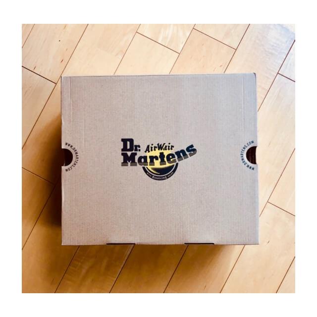 ドクターマーチンのチェルシーブーツが入っていた箱