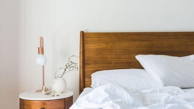 快眠の方法を実践した翌朝のベッド