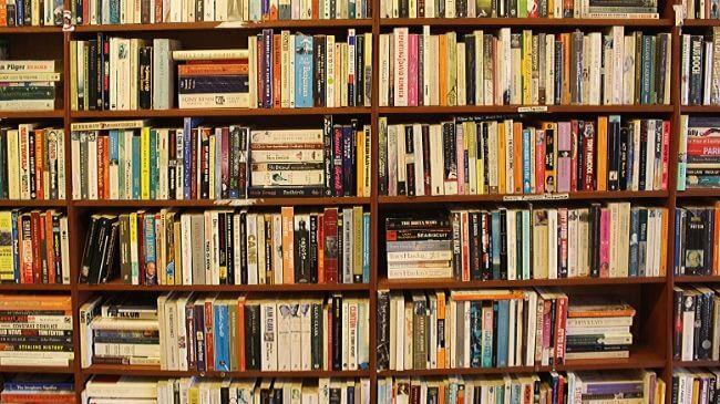 整理されていない本棚と同じようにキンドルの本を探すのは大変
