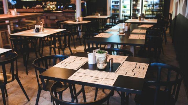 会社の付き合いで使用される夜のレストラン