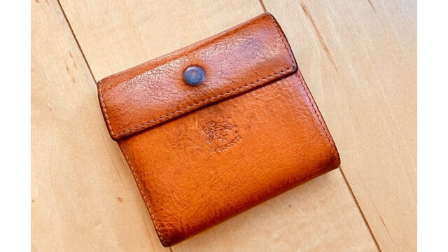 イルビゾンテの財布(口コミ紹介するもの実物)