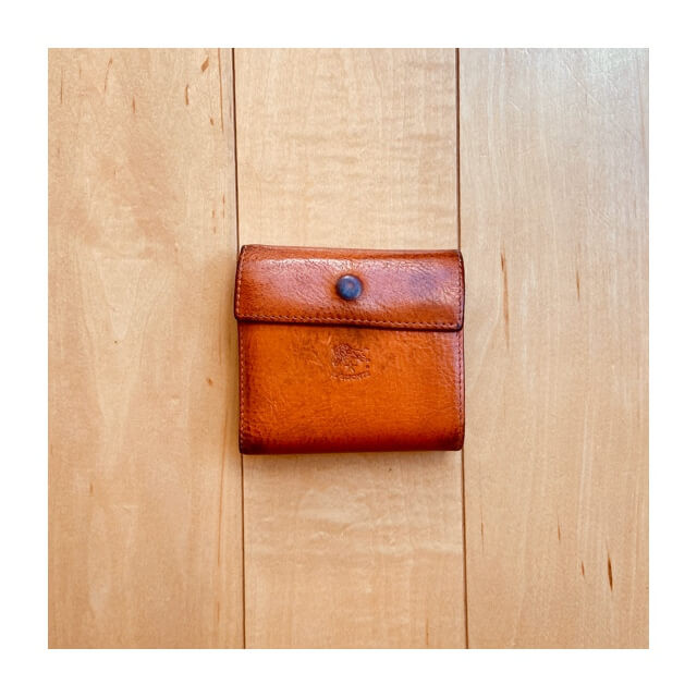 イルビゾンテの財布を上から撮影したところ