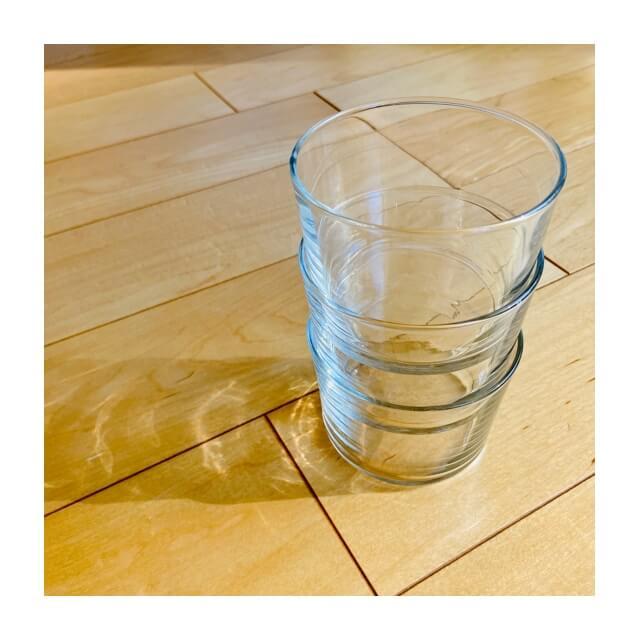 ミニマリストの食器にボデガのグラス(スタッキングしたところ)