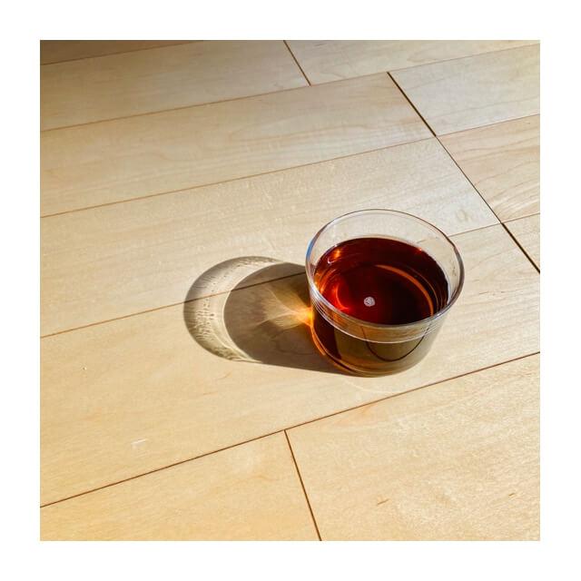 ボデガのグラスの飲み物が入っているところ