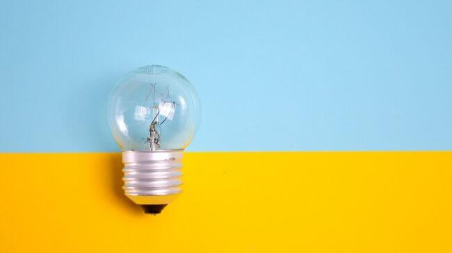 仕事のオンオフを切り替えるスイッチ(電球)