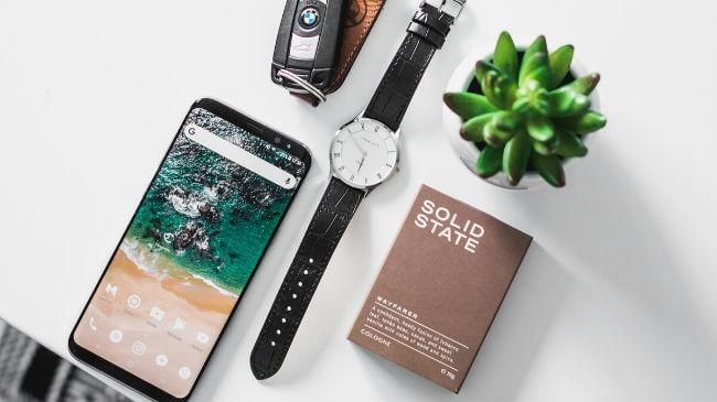 スマートフォンと腕時計