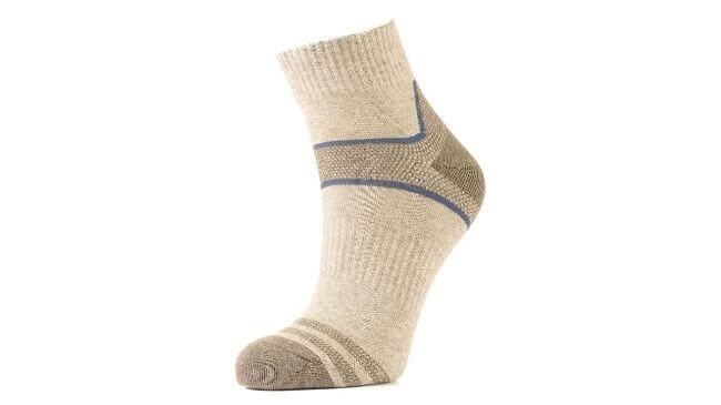メンズ向け冷え性対策になる靴下は登山用